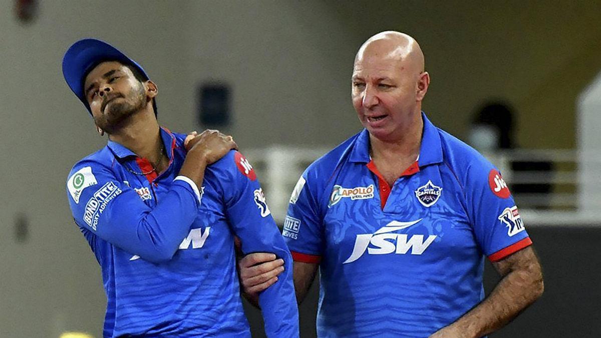 IPL 2020 RRvsDC: श्रेयस की चोट पर धवन ने कहा, अय्यर के कंधे में हरकत है, चोट के बारे में बाद में पता चलेगा