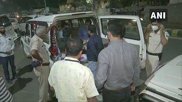 Bihar Election 2020, Live Update: पटना में कांग्रेस कार्यालय पर आयकर विभाग का छापा, एक व्यक्ति को लिया गया हिरासत में