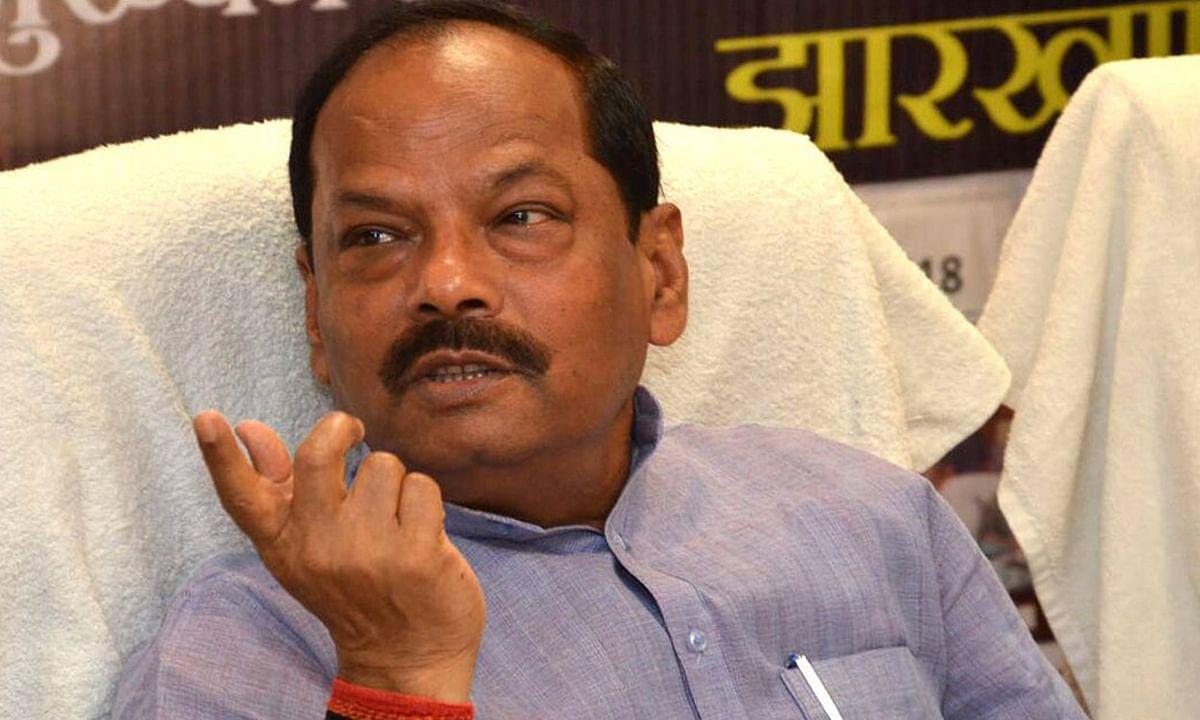 झारखंड की हेमंत सरकार पर पूर्व मुख्यमंत्री रघुवर दास का हमला, कहा- राज्य में महिलाएं एवं बेटियां नहीं हैं सुरक्षित