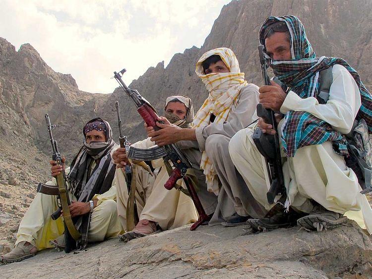 पाकिस्तान: कबायली गुटों में हिंसक झड़प जारी, 15 लोगों की मौत, खैबर पख्तूनख्वाह में फोन सेवा बंद