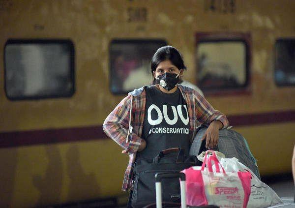 IRCTC/Indian Railway News: 'बैग्स ऑन व्हील्स' सेवा शुरू करेगी रेलवे, घर से स्टेशन तक पहुंचायेगा सामान