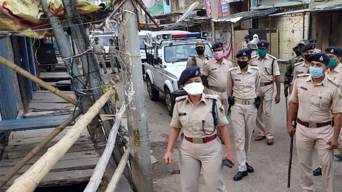 Bihar News: मुंगेर में चुनाव से एक दिन पहले भारी बवाल, दुर्गा मूर्ति विसर्जन के दौरान चली गोली, एक की मौत, तीन घायल
