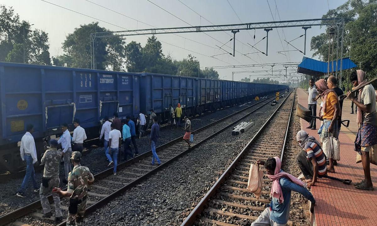 गोला के रेलवे साइडिंग में गोली चलने के तीसरे दिन बड़ा उलटफेर, किस्कू कंस्ट्रक्शन को मिला ट्रांसपोर्टिंग का काम