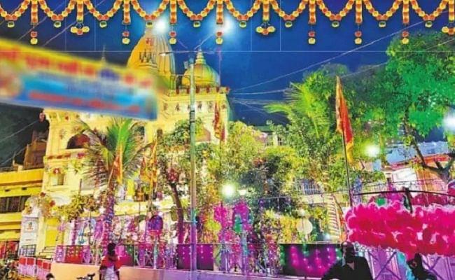 Shardiya Navratri 2020: मां के दर्शन के लिए दुर्गा मंदिरों में पहुंचने लगे भक्त, षष्ठी तिथि पर आज मां के कात्यायनी रूप की होगी पूजा...