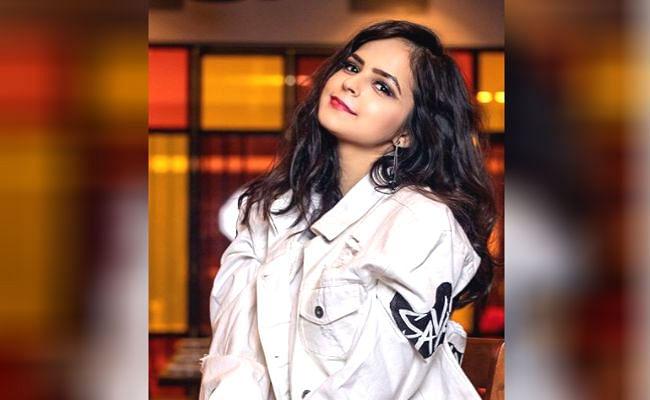 Taarak Mehta Ka Ooltah Chashmah : रेड लिपस्टिक में 'भिड़े' की बेटी सोनू ने दिखाया दिलकश अंदाज, VIDEO वायरल