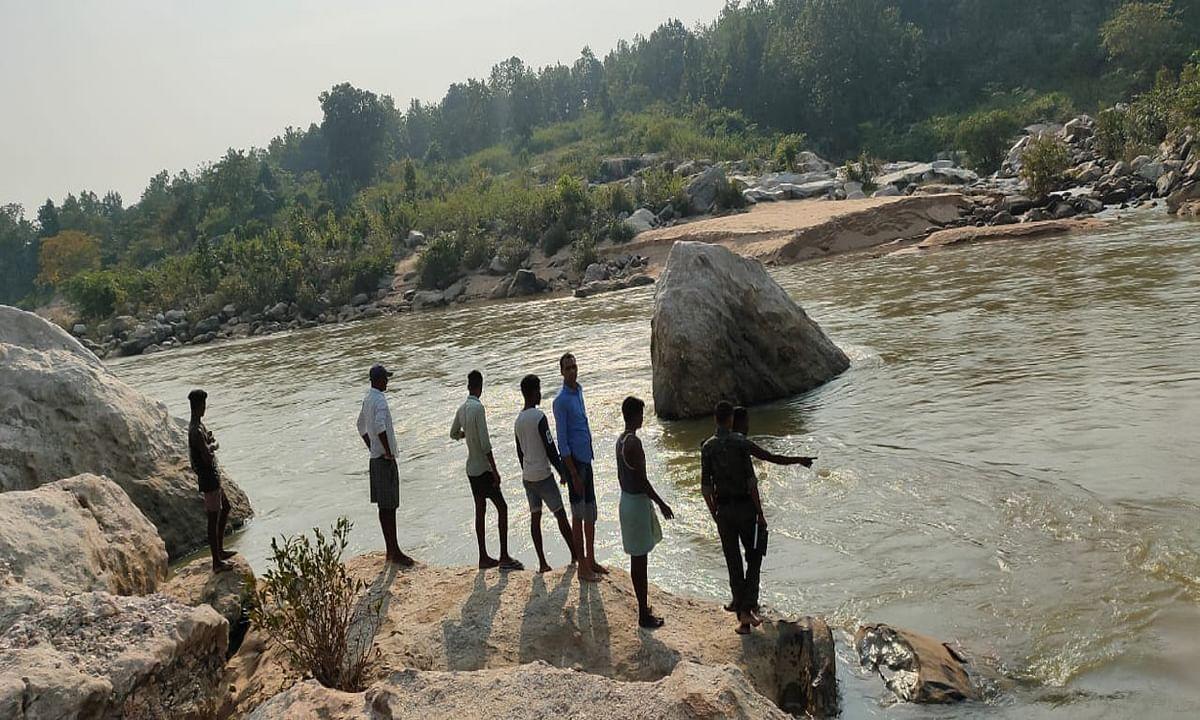 रांची से पिकनिक मनाने बाघमुंडा वाटरफॉल आये 3 बच्चे नदी में डूबे, NDRF की टीम को बुलाया गया
