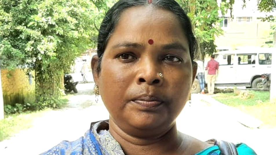 Bihar Election 2020: झामुमो के टिकट पर चुनाव लड़ रही नक्सली पृथ्वीराज हेम्ब्रम की भाभी एलिजाबेथ सोरेन