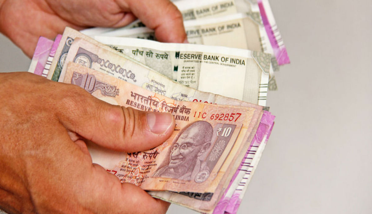 PM-SYM News Updates : पाई-पाई जोड़कर हर साल पा सकते हैं 36,000 रुपये की पेंशन, जानिए क्या है प्रक्रिया