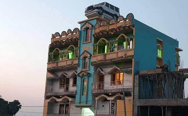 Mahindra Scorpio rooftop water tank