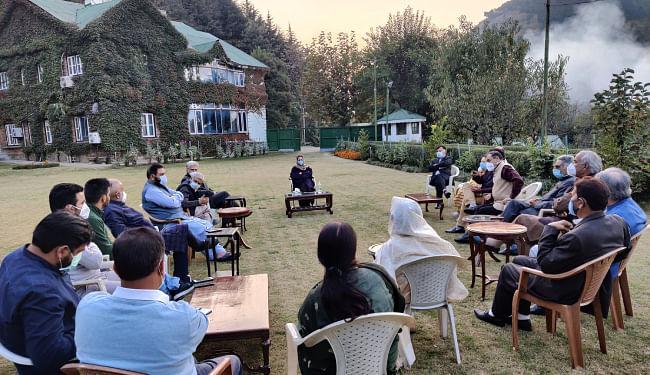 14 माह की रिहाई के बाद महबूबा मुफ्ती ने की पार्टी की पहली बैठक, पीडीपी ने कहा- अनुच्छेद 370 समाप्त करना अस्वीकार्य, लड़ेंगे लड़ाई