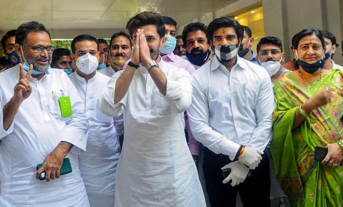 Bihar Assembly Election 2020: BJP की चेतावनी के बावजूद LJP का 'मोदी प्रेम' जारी, नए पोस्टर में PM मोदी के साथ बिहार को बदलने की बात