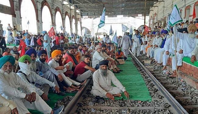 किसान आंदोलन से पंजाब के अंधेरे में डूबने का खतरा, ट्रेन रोकने से थर्मल प्लांटों की कोयला सप्लाई बाधित