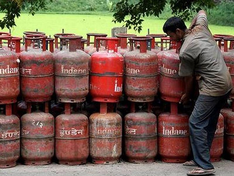 LPG New Rules : घरेलू गैस सिलिंडर की डिलीवरी पाने के लिए आपको बताना होगा OTP