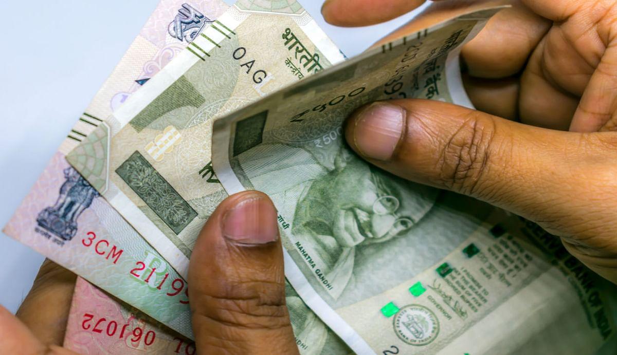 Loan moratorium : आम आदमी को जल्द मिलेगा दिवाली का तोहफा, टाली गई EMI का ब्याज खुद चुकाएगी मोदी सरकार