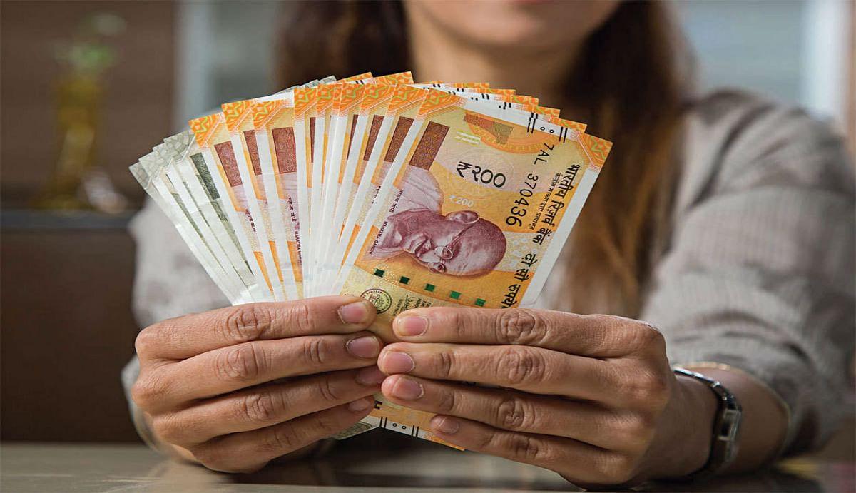 7th Pay Commission : 30 लाख सरकारी कर्मचारियों को मोदी सरकार का दिवाली तोहफा, एक किश्त में विजयदशमी से पहले मिलेगा बोनस
