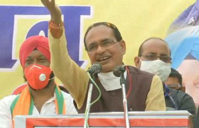 Madhya Pradesh by Election 2020 : घुटने पर शिवराज ! कहा- लोग कहते थे सूपड़ा साफ हो जाएगा...