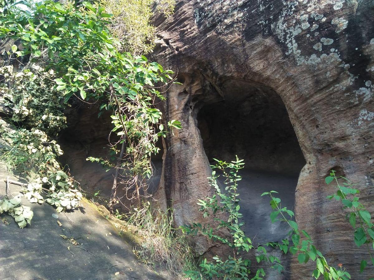 Exclusive Pics : झारखंड में मिलीं पाषाणकाल की गुफाएं और पत्थरों के औजारों की क्या है खासियत, पढ़िए ये रिपोर्ट