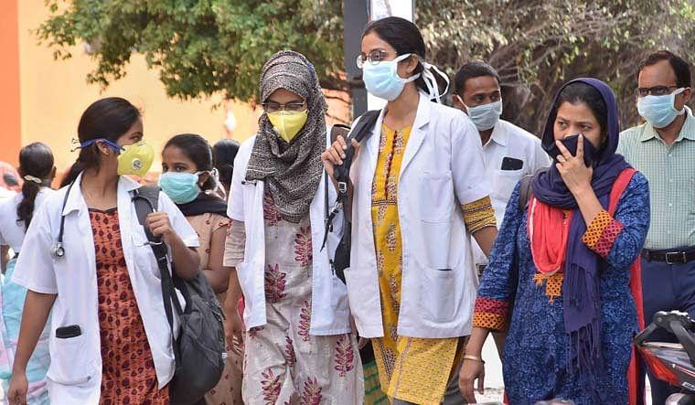 Coronavirus In India: संक्रमण के नये मामलों में गिरावट के दौर जारी, साढ़े सात लाख के पार हुई संक्रमितों की संख्या