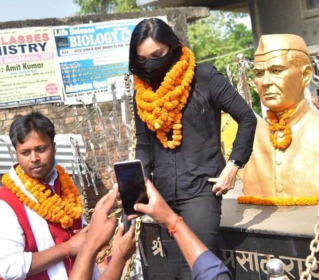 जानिए JNU से पढ़े Pushpam Priya के इस कैंडिडेट के बारे में, जो तेज प्रताप के ससुर को दे रहे हैं चुनौती