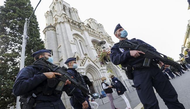 आतंकी हमले के बाद अलर्ट मोड पर फ्रांस, कड़ी जांच के बाद कुछ मस्जिदों में लटक सकता है ताला