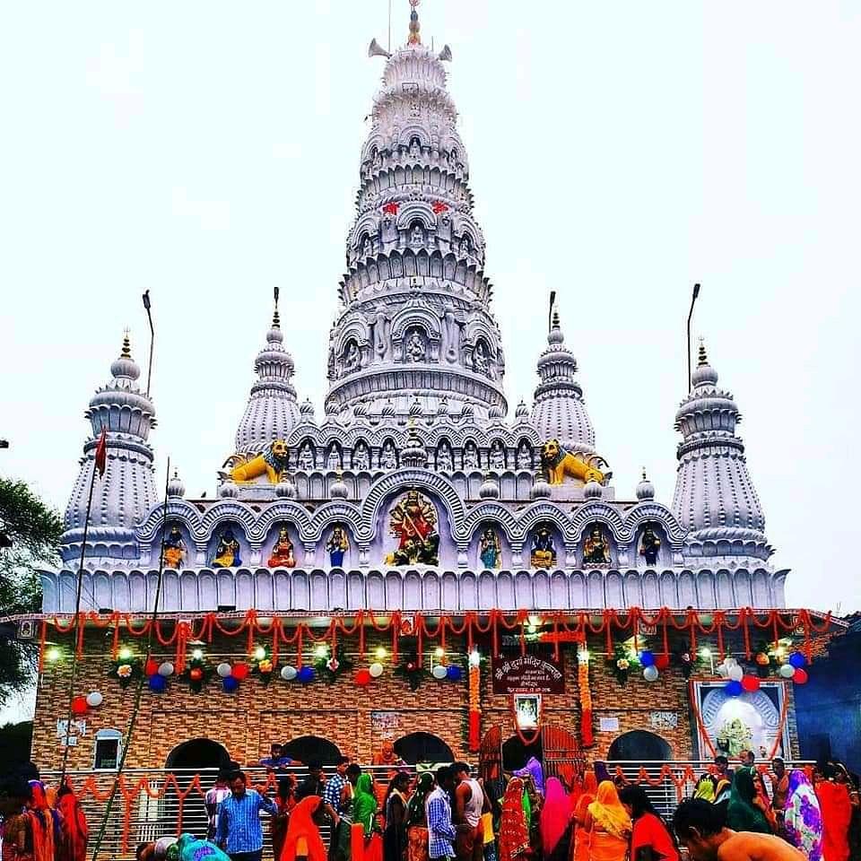 Durga Puja 2020 : 450 वर्ष से अधिक पुराने देवघर के इस दुर्गा मंदिर के गुंबद पर है साढ़े तीन किलो का स्वर्ण कलश, खास है यहां पूजा की परंपरा