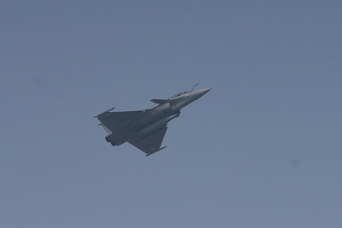 इस स्थापना दिवस में विंटेज विमान टाइगर मोथ ने भी अपना करतब दिखाया