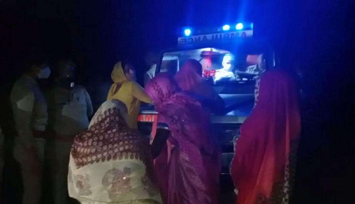 हाथरस गैंगरेप मामला : संदेह के घेरे में उत्तर प्रदेश पुलिस, पीड़िता का रात में अंतिम संस्कार करने पर NWC ने जारी किया शो कॉज नोटिस