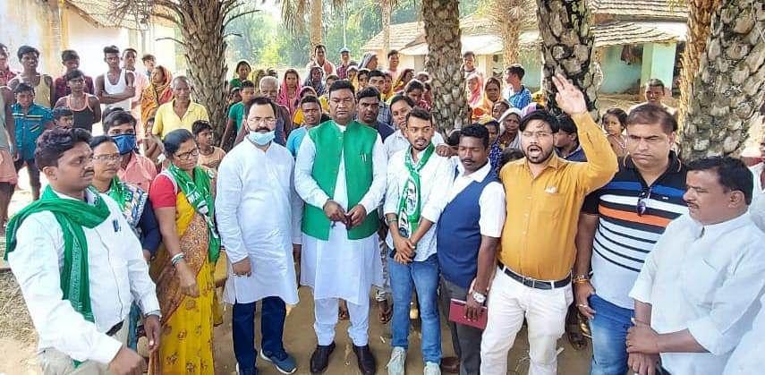 Jharkhand Assembly By-Election 2020 : झारखंड के श्रम मंत्री सत्यानंद भोक्ता ने किस आधार पर बसंत सोरेन के लिए मांगा वोट, पढ़िए ये रिपोर्ट