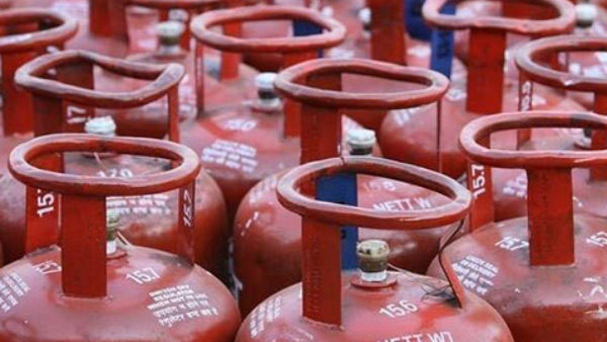 LPG Subsidy Latest Update : क्या एक नवंबर को रसोई गैस सिलेंडर के दाम बढ़ेंगे ? जानिए सब्सिडी पर क्या होगा असर