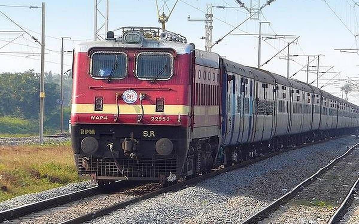 Indian Railways / IRCTC / Train News : मुंबई सेंट्रल और समस्तीपुर के  बीच अब चार दिन चलेगी ट्रेन, स्पेशल ट्रेनों के रद्द होने का समय बढ़ा