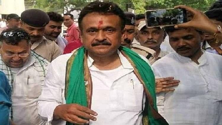 Bihar Election 2020: लालू के समधी चंद्रिका राय की सीट परसा का रोचक रहा है इतिहास, जानें इस बार त्रिकाेणीय मुकाबले में किसका पलड़ा है भारी...