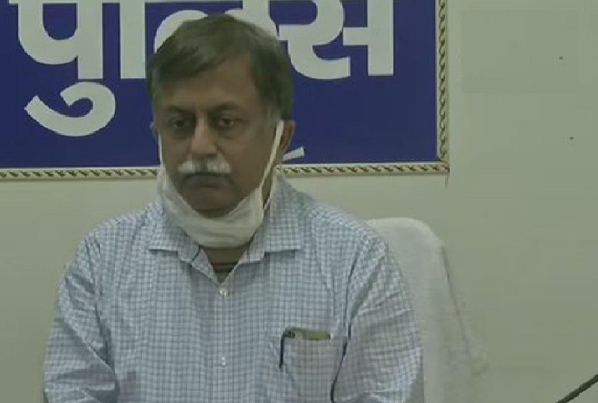 अपर मुख्य सचिव और डीजीपी ने हाथरस पीड़िता के परिवार वालों से की मुलाकात, दिया न्याय का भरोसा