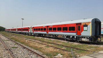 IRCTC/Indian Railway News : यात्रीगण कृपया ध्यान दें! दिवाली-छठ तक बिहार के इन ट्रेनों में नहीं मिलेगा Confirm Ticket, यहां देखें List
