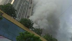 Mumbai Fire : लोग कर रहे थे मॉल में खरीदारी तभी लग गई आग, नजदीक के इमारत से 3,500 लोगों को निकाला गया बाहर