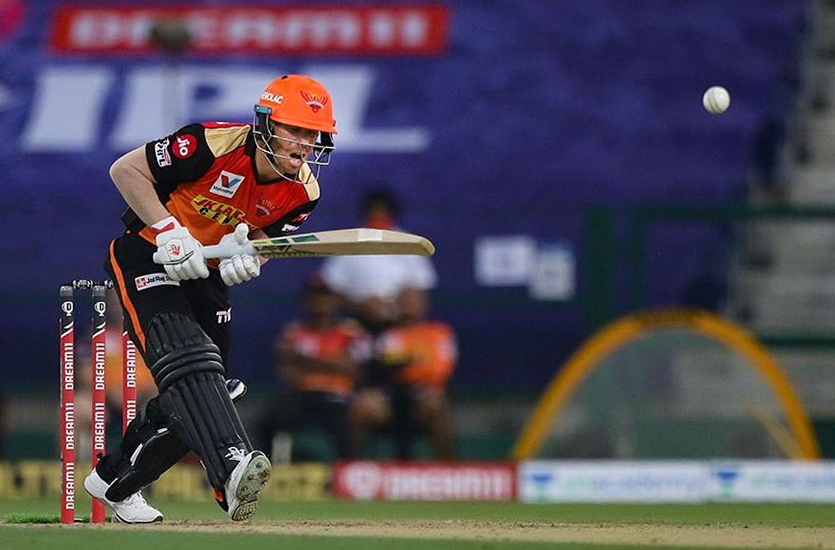 IPL 2020, RCB vs SRH, Live Score : हैदराबाद की खराब शुरुआत, डेविड वॉर्नर 8 रन बनाकर आउट, SRH 42/1