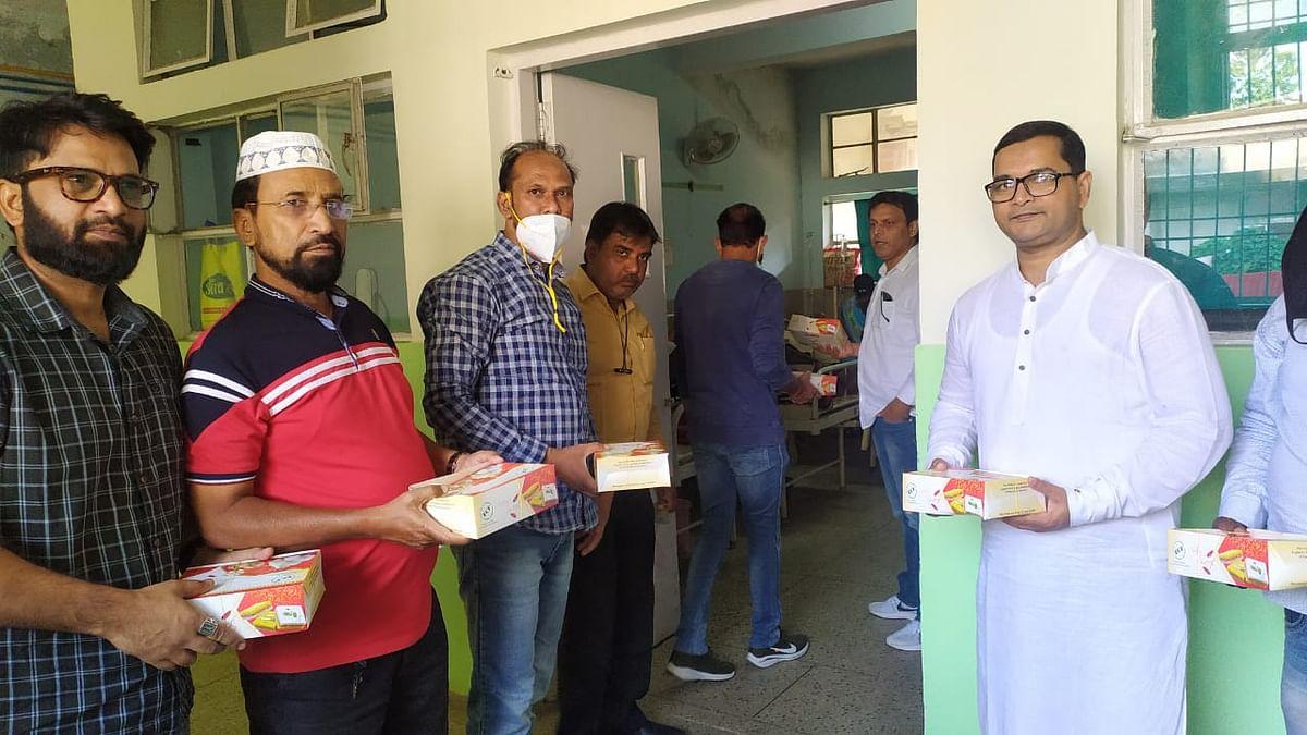 Eid Milad-un-Nabi 2020: रांची की संस्था रहमत ने जरूरतमंदों के बीच जाकर एक दिन पहले मनायी ईद मिलाद-उन-नबी.