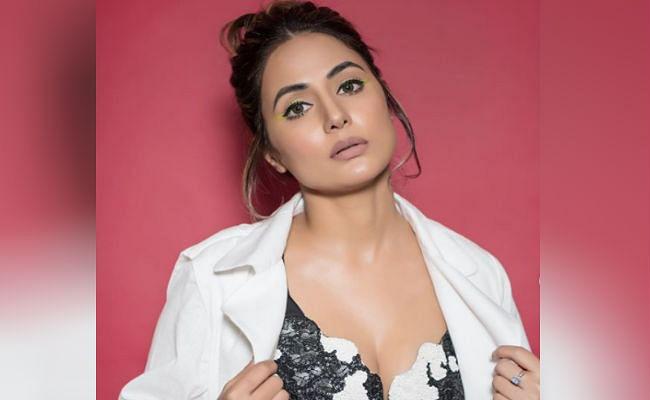 नागिन फेम हिना खान की इस अंदाज पर फैंस फिदा, तसवीरें देखकर आपकी भी नहीं हटेंगी नजर