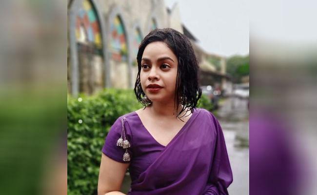 बारिश में भीगी नजर आईं कपिल शर्मा की 'भूरी', इस तसवीर में सुमोना का दिखा बेहद ही दिलकश अंदाज