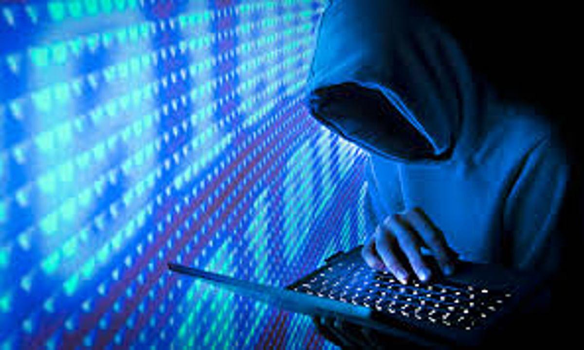 बैंक अधिकारी बन कर ठगी करने वाला 2 साइबर क्रिमिनल करमाटांड से गिरफ्तार, मोबाइल व सिम कार्ड बरामद