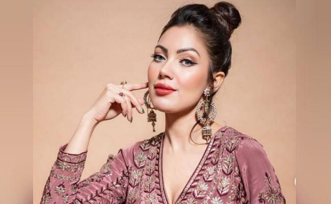Taarak Mehta Ka Ooltah Chashmah : 'बबीता जी' ने स्टाइलिश ड्रेस में शेयर की ये बोल्ड तसवीर, फैंस बोले- जेठालाल जी आपको...