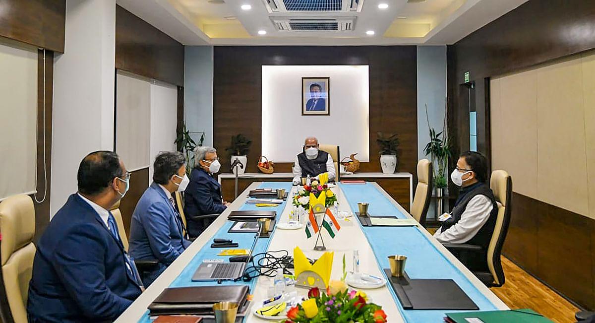 Coronavirus Vaccine: कोरोना वैक्सीन की समीक्षा के लिए अहमदाबाद के बाद भारत बायोटेक के लैब हैदराबाद पहुंचे PM मोदी