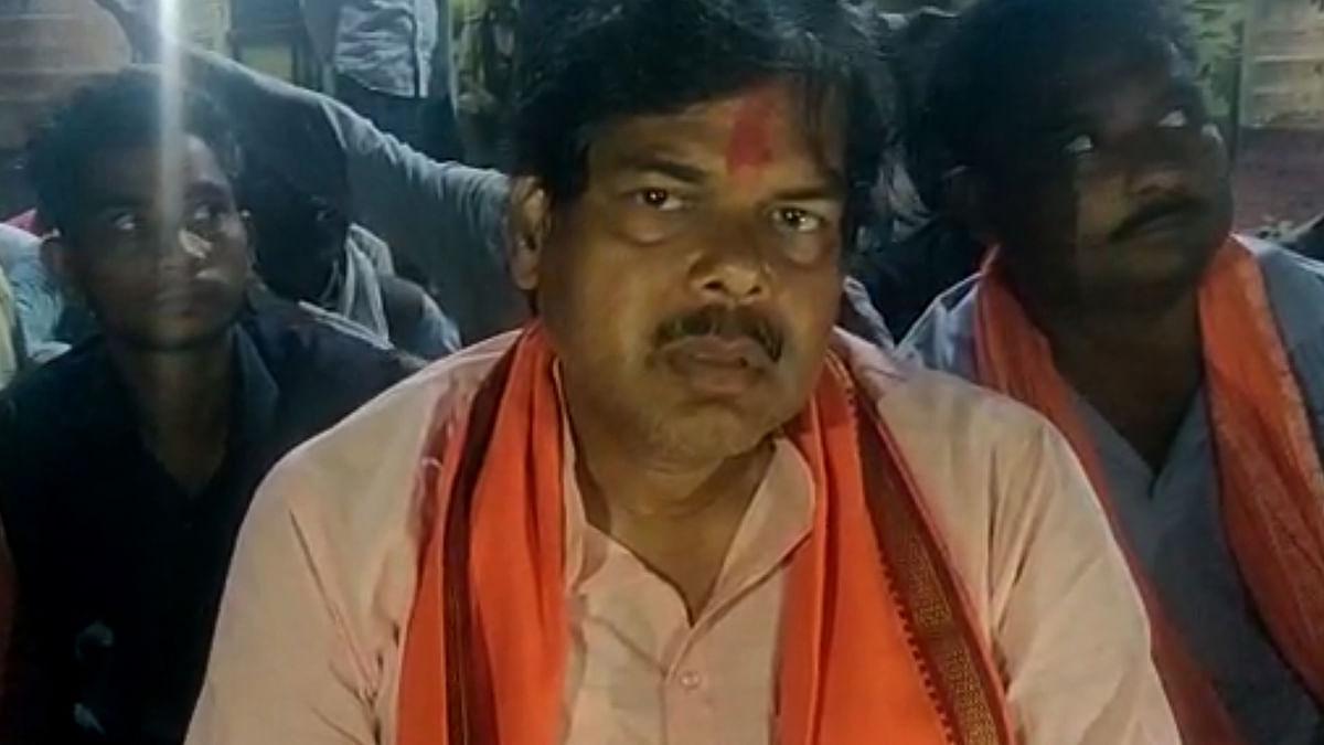 Bihar Election 2020: गोपालगंज के भाजपा विधायक पर जानलेवा हमला, निर्दलीय उम्मीदवार के समर्थकों ने वाहन को किया क्षतिग्रस्त