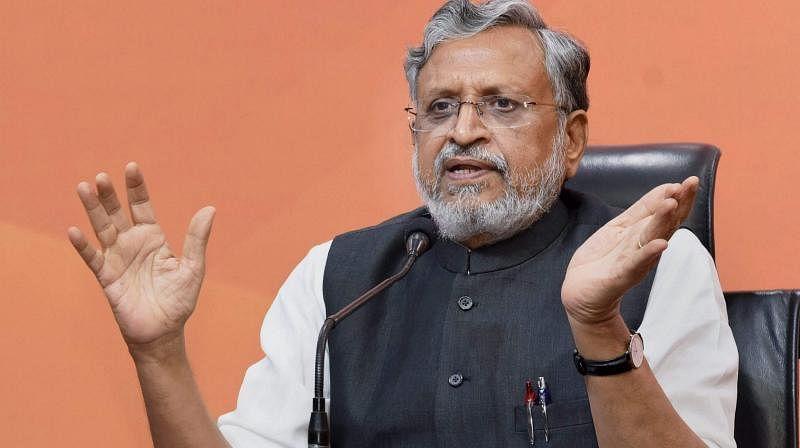 Bihar News : सीएम नीतीश और Tej Pratap से भी गरीब हैं सुशील मोदी, जानें कितनी संपत्ति के मालिक हैं बिहार के पूर्व डिप्टी सीएम