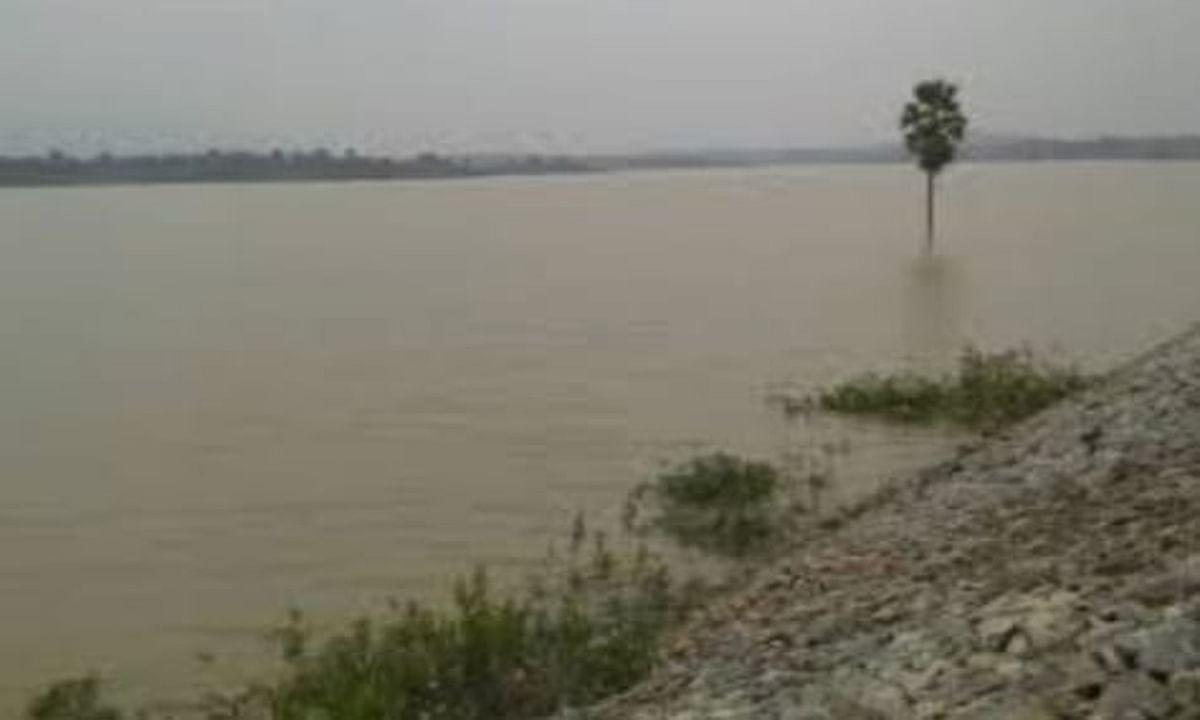 बसिया में 30 करोड़ से नहर की मरम्मत हुई, फिर भी खेतों तक नहीं पहुंचा पानी