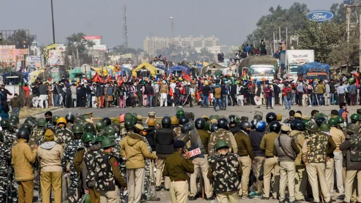 Farmers Protest Live : किसान अब कहां से करेंगे आंदोलन, सिंघु बॉर्डर या फिर निरंकारी मैदान, थोड़ी देर में होगा फैसला