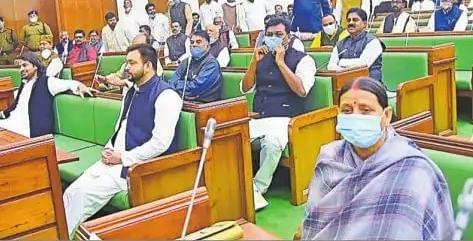 मुकेश सहनी ने राजद को किया डिप्टी सीएम पद के लिए फोन?, राबड़ी देवी ने मुकेश सहनी को दिलाई याद