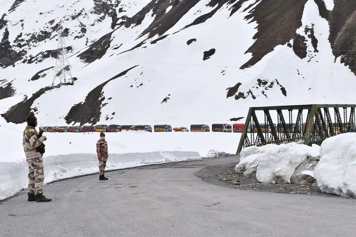 India China Standoff Latest News: इस डर से पैंगोंग से पीछे हट रहा है चीन ? भारतीय जवानों का साहस और पीएम मोदी की...
