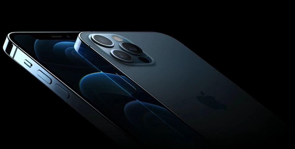 iPhone 12 के धारदार किनारों से कट जा रही यूजर्स की उंगलियां?