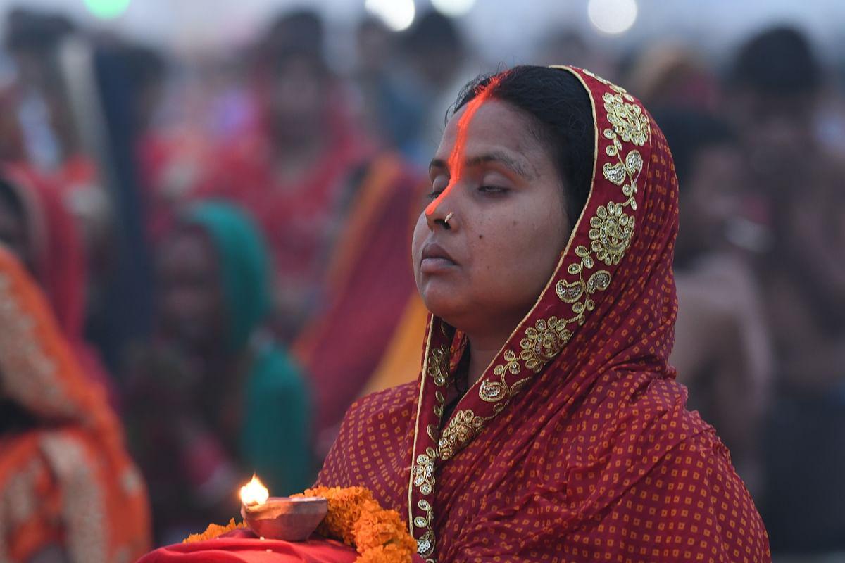 Chhath Puja: दिल्ली में सार्वजनिक स्थानों पर नहीं मनेगी छठ पूजा डीडीएम ने त्योहारों को लेकर गाइडलाइन जारी किया