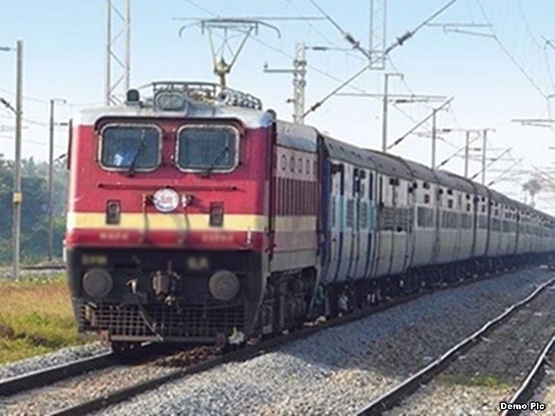 IRCTC/Indian Railways News: झारखंड, बिहार और बंगाल को दक्षिण पूर्व रेलवे की सौगात, रांची से चलने वाली 10 फेस्टिवल स्पेशल ट्रेनें 30 दिसंबर तक चलेंगी